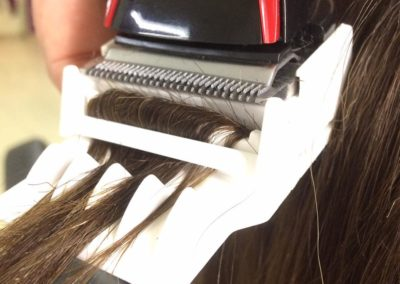 Polerowanie włosów w salonie fryzjerskim Biarritz