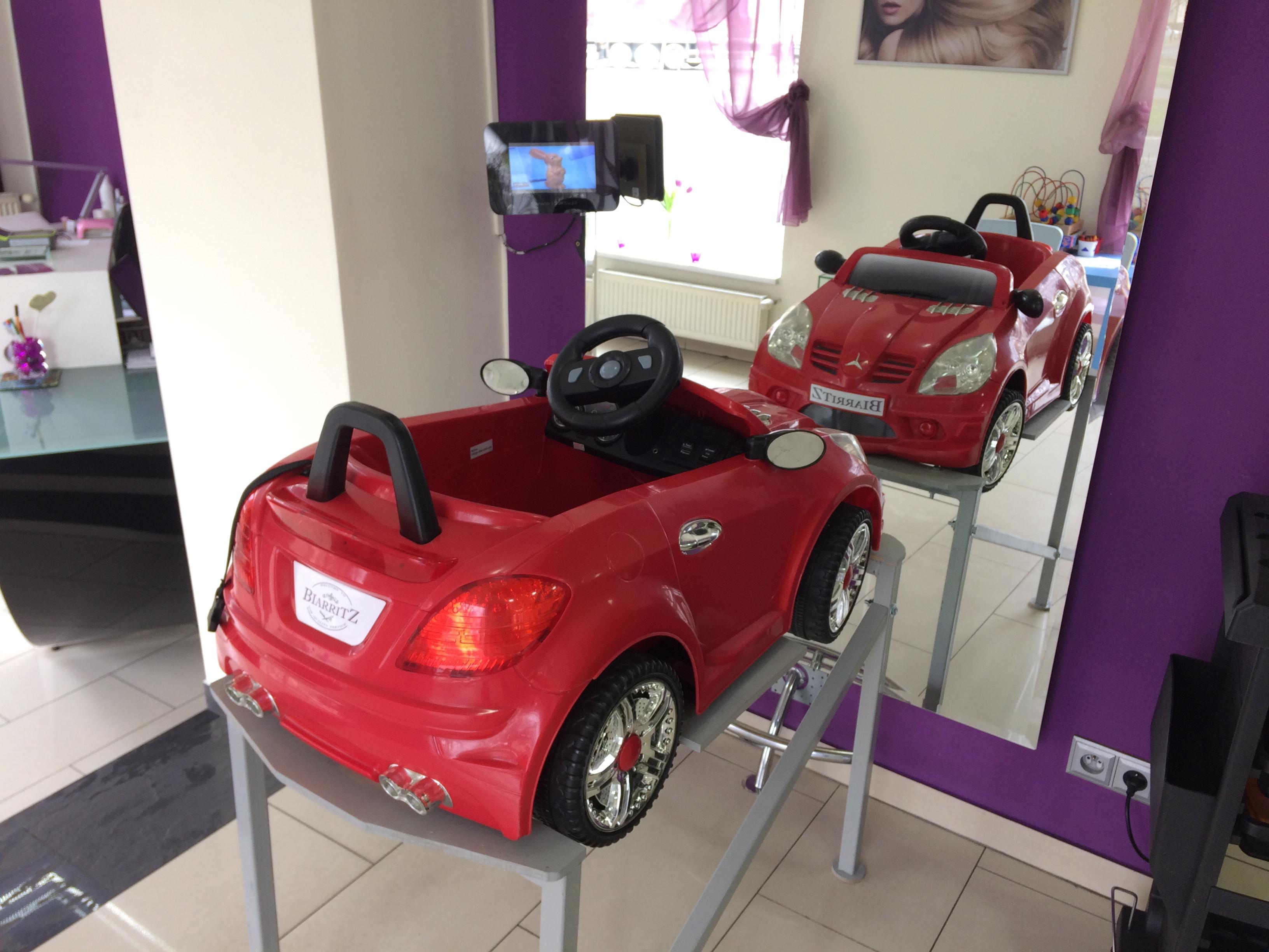 Fotel-samochodzik dla najmłodszych